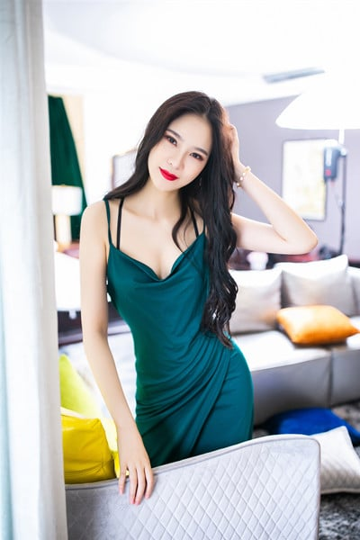 pretty Chinese girl