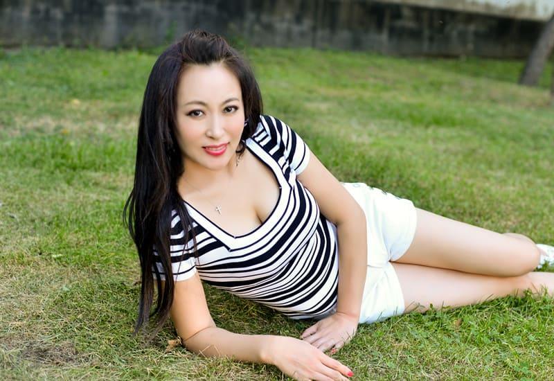 muscular Asian girl